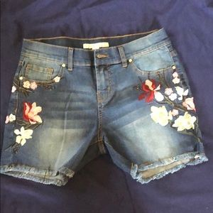 Boston Proper Floral Embroidered Shorts Size 4